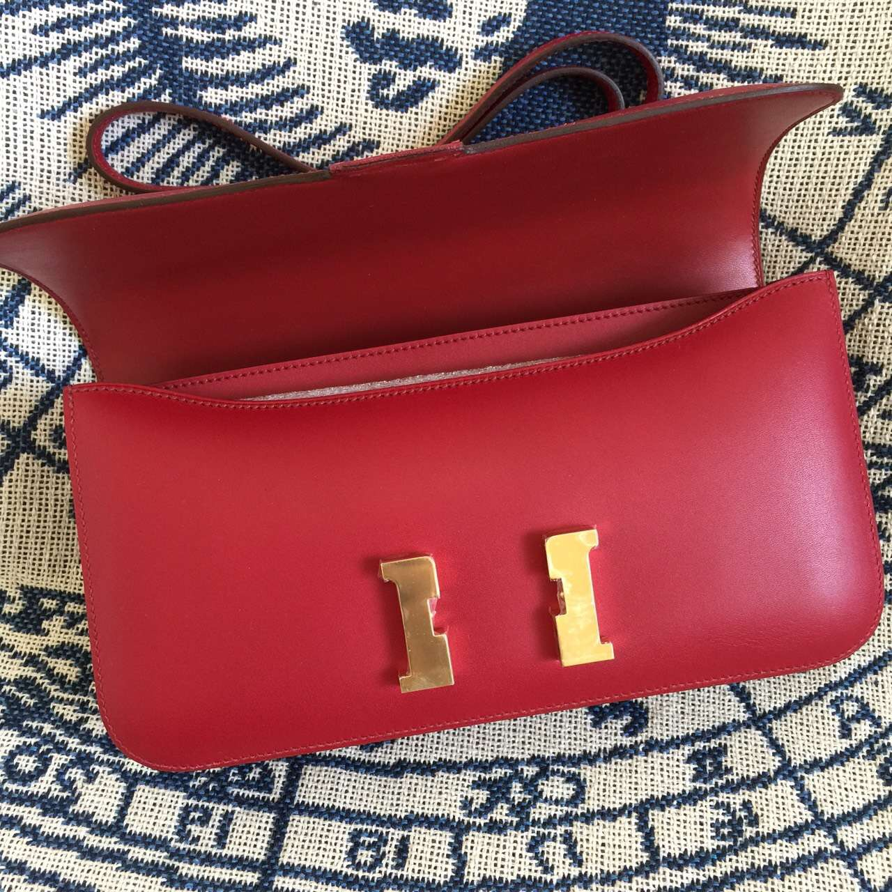 Sale Hermes Bordeaux Box Leather Constance elan26CM Fashion Women's Cross-body Bag