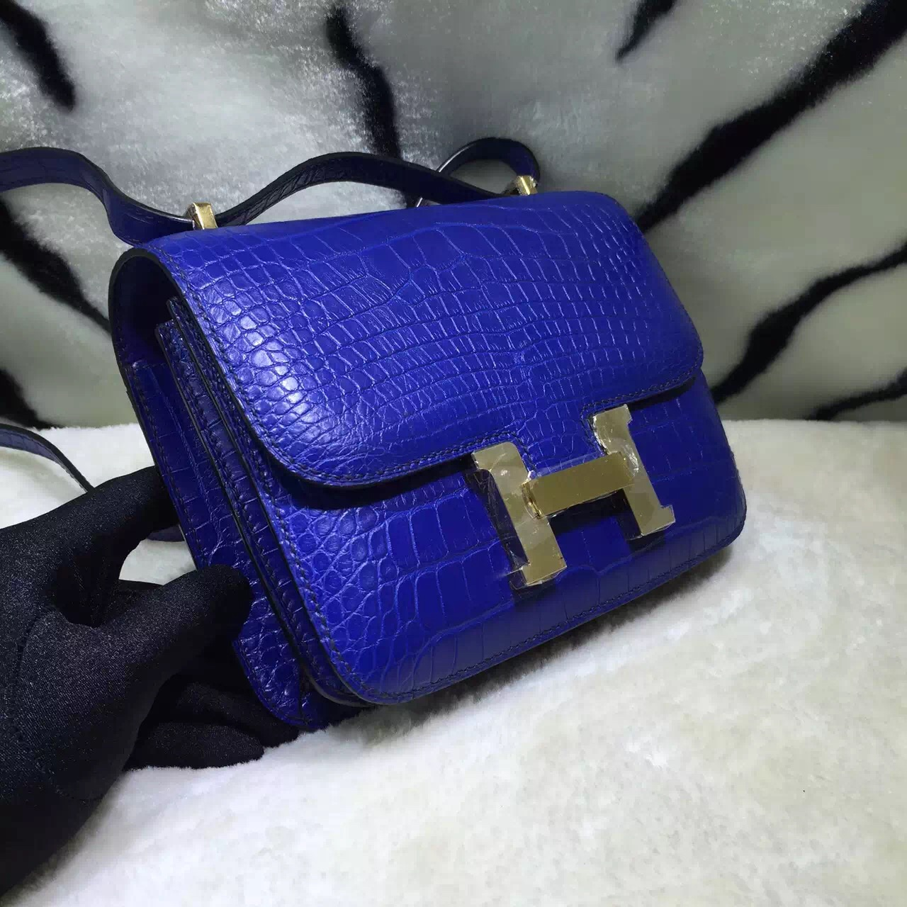 Hand Stitching Hermes 7T Blue Electric Crocodile Skin Leather Constance Bag 19CM