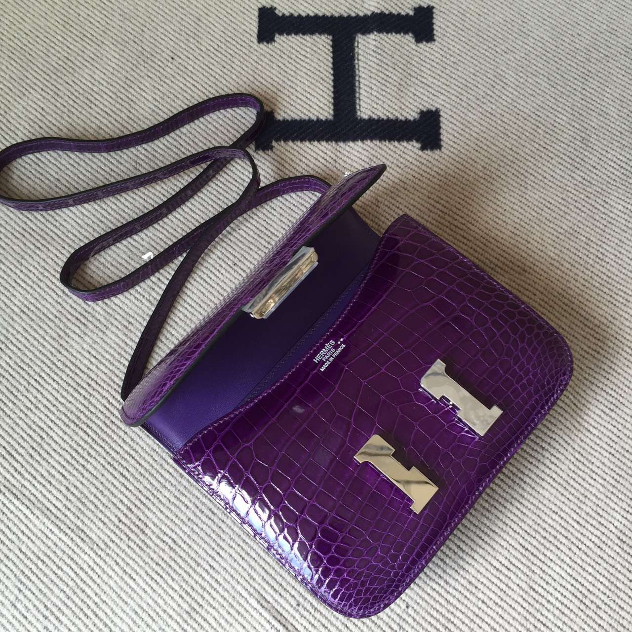 Popular Hermes Constance Bag 19cm in 9G Violet Crocodile Shiny Leather