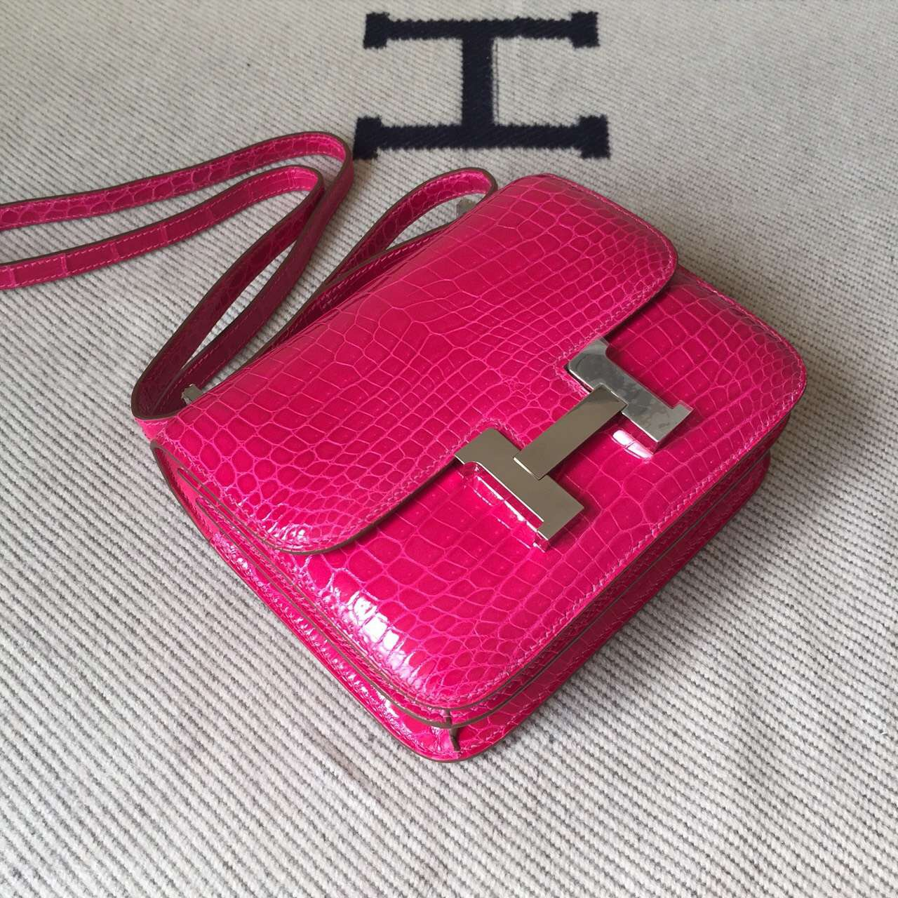 Sale Hermes J5 Rose Scheherazade Crocodile Leather Constance Bag 19cm