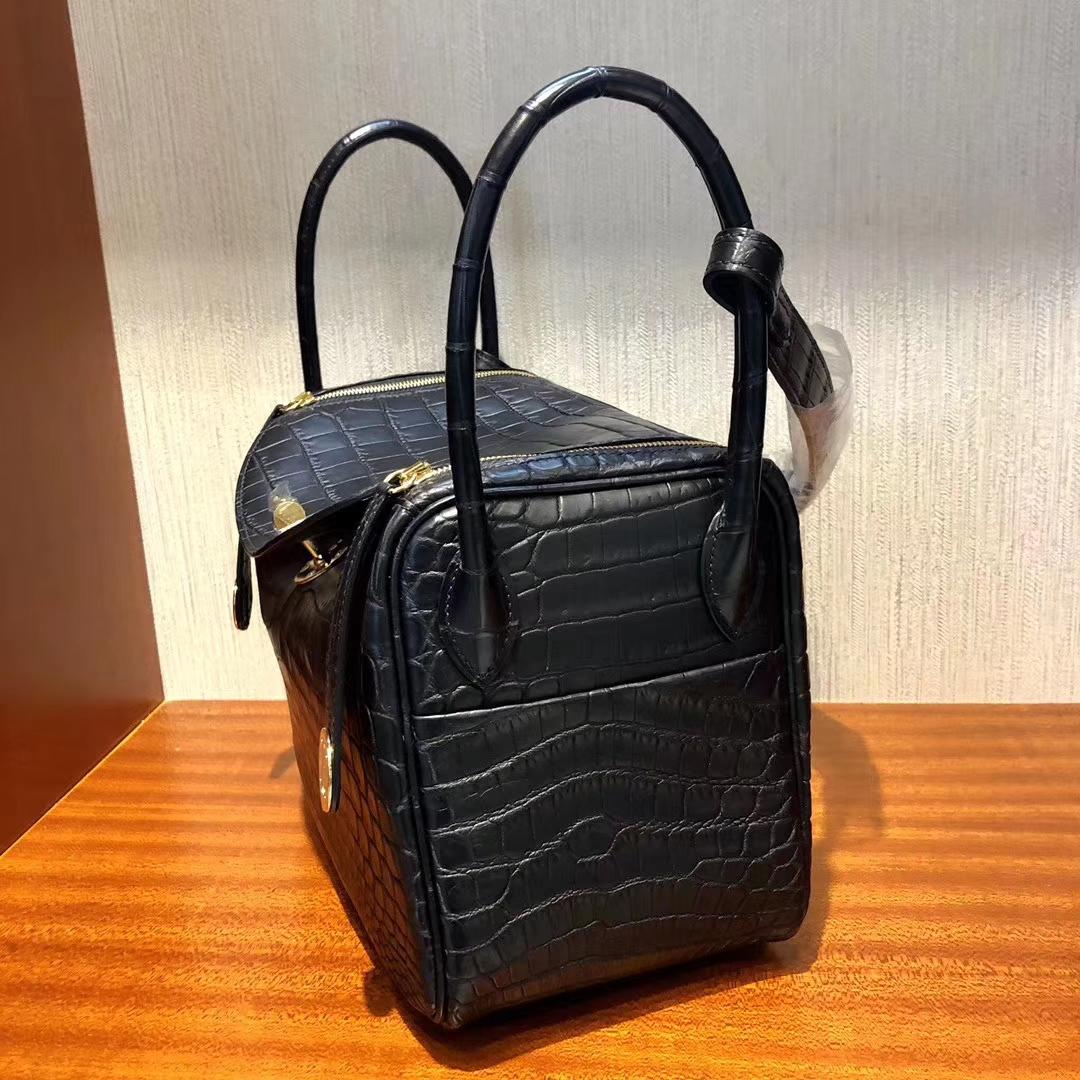 Stock Hermes Matte Nilo Crocodile CK89 Noir Lindy26cm Bag Gold Hardware