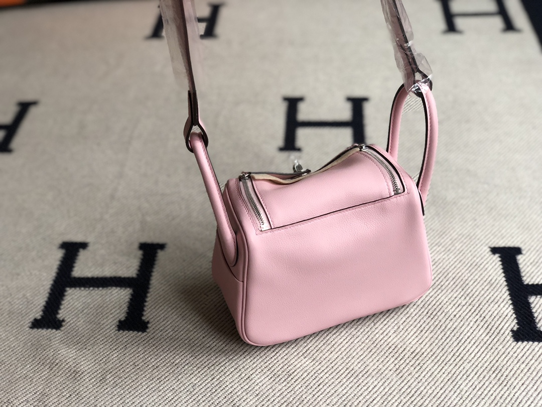 Stock Hermes 3Q Rose Sakura Swift Calf Mini Lindy19cm Gold/Silver Hardware