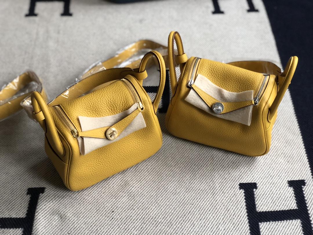 Stock Hermes TC Calf Mini Lindy19cm 9D Ambre Yellow Gold/Silver Hardware
