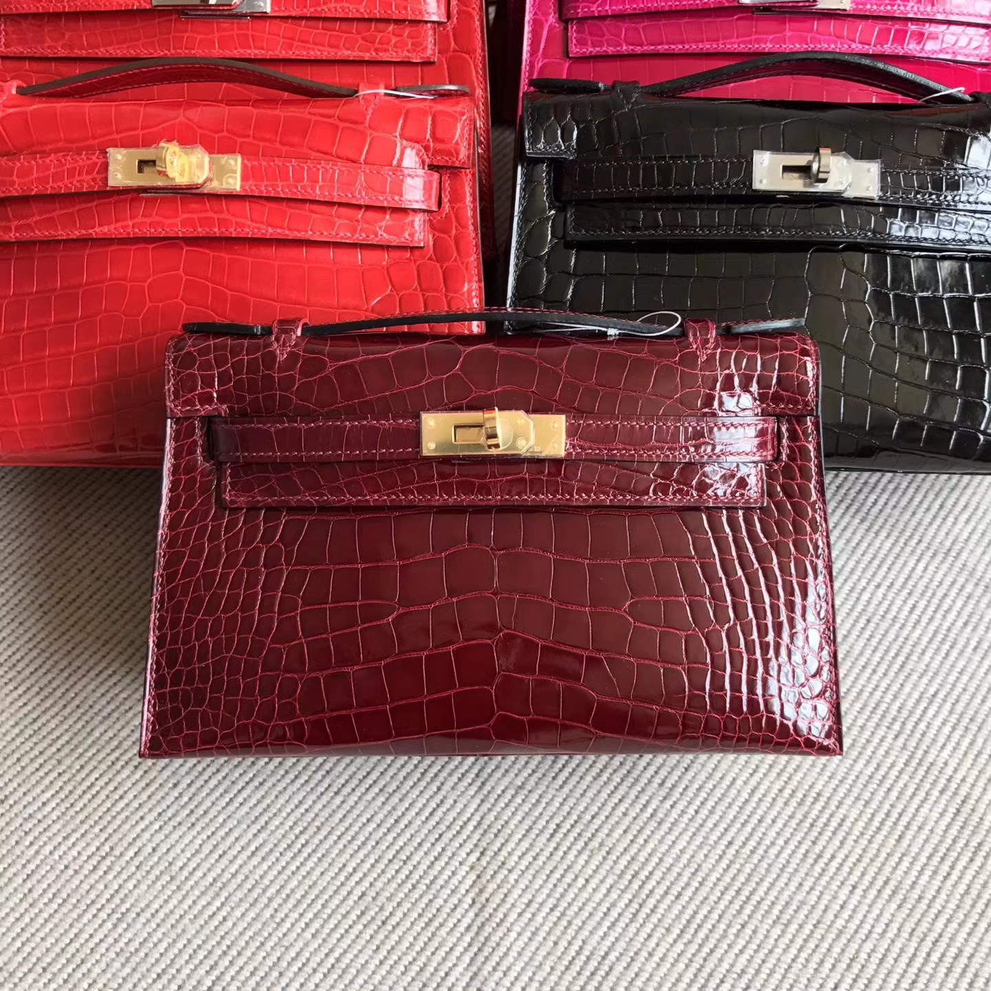New Hermes Shiny Alligator Crocodile Minikelly22cm Clutch Bag in F5 Bourgogne Red