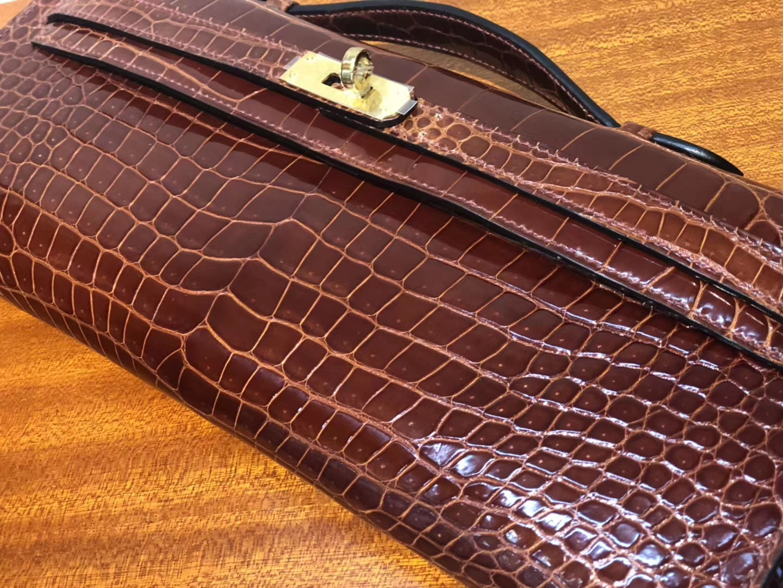 Discount Hermes Porosus Shiny Crocodile Kelly Cut Clutch in CK31 Miel Brown