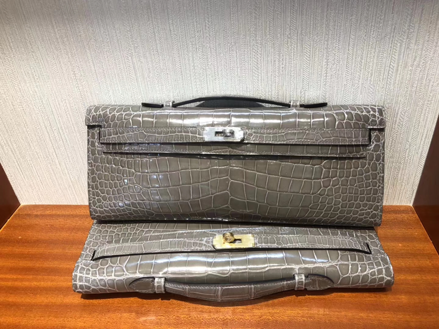 Sale Hermes Shiny Crocodile Kelly Cut Evening Bag in C81 Gris Tourterelle Silver Hardware