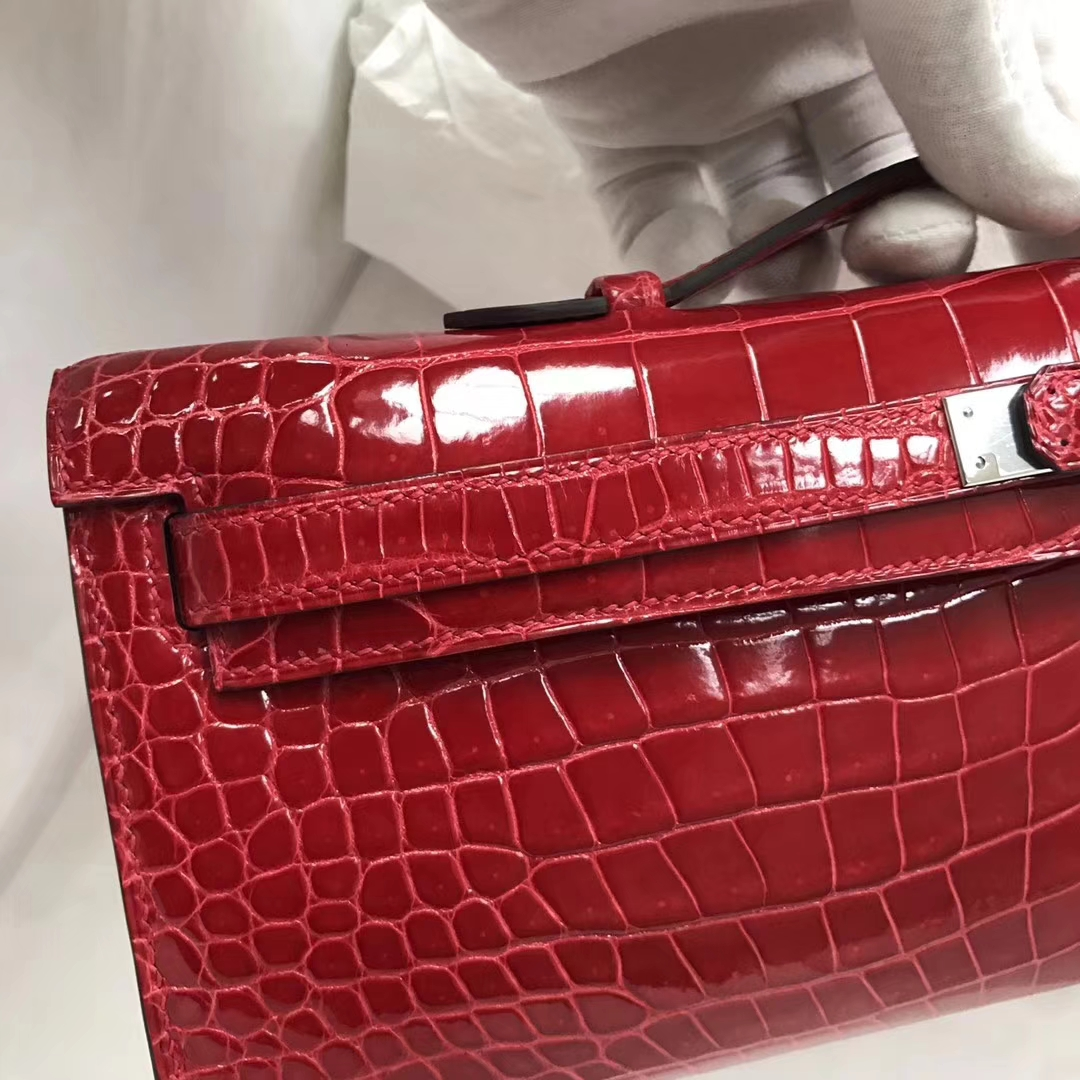 Pretty Hermes CK95 Braise Porosus Shiny Crocodile Kelly Cut Clutch Bag Silver Hardware