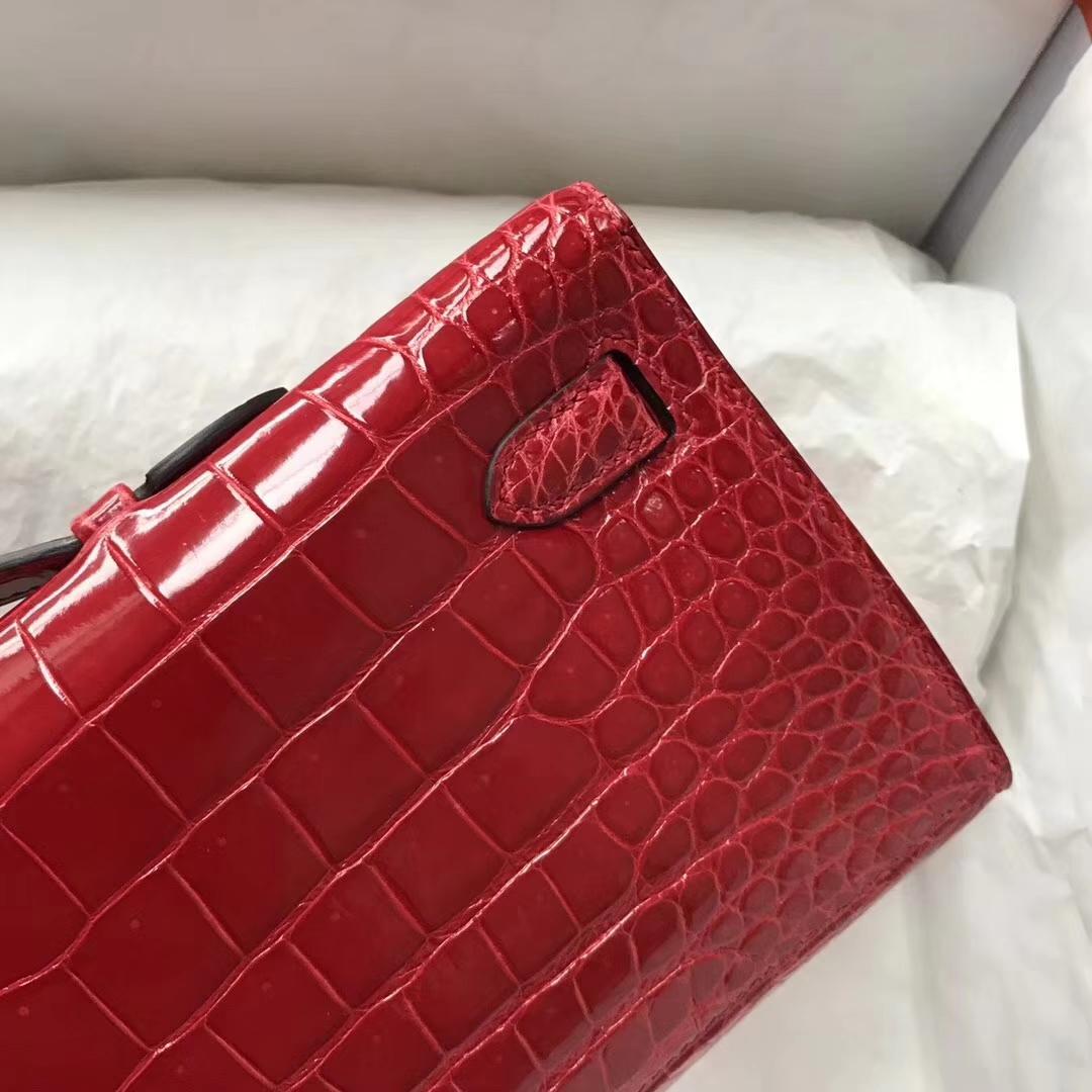 Elegant Hermes Shiny Crocodile Leather Kelly Cut Evening Bag in CK95 Braise Gold Hardware