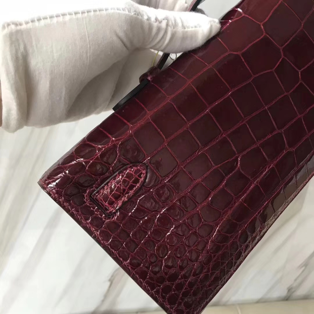 Noble Hermes Shiny Crocodile Leather Kelly Cut Clutch Bag in CK57 Bordeaux Red Gold Hardware