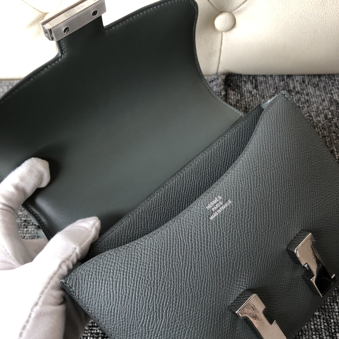 New Arrival Hermes CC63 Vert Amande Epsom Calf Constance Bag18CM Silver Hardware