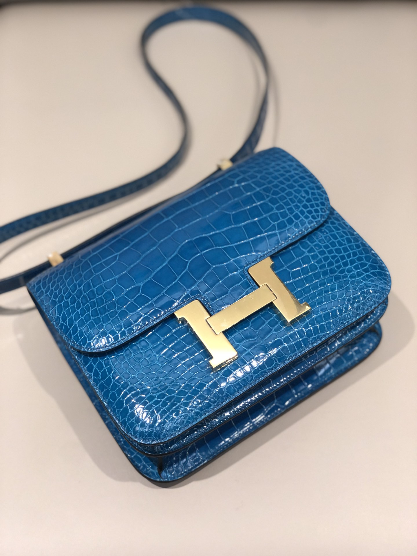 Stock Hermes 7W Blue Izmir Shiny Crocodile Constance Bag24cm Gold Hardware