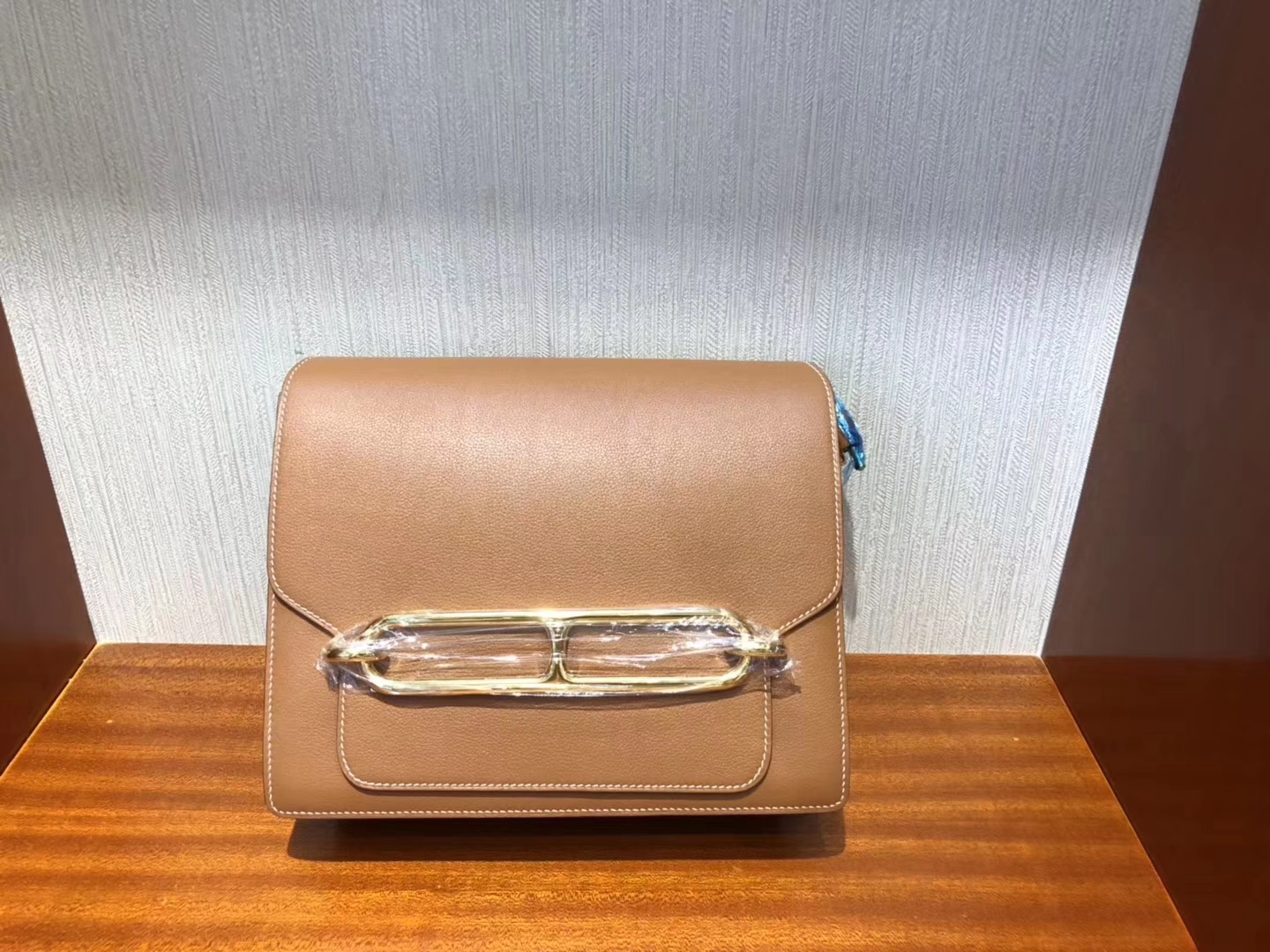 Sale Hermes CK37 Gold Evecolor Leather Roulis Bag24CM Gold Hardware