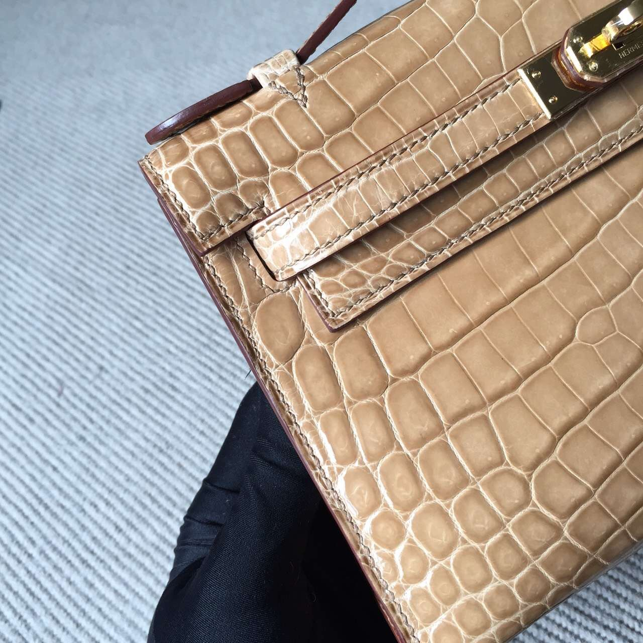 On Sale Hermes Apricot Crocodile Shiny Leather Minikelly Clutch Bag22CM
