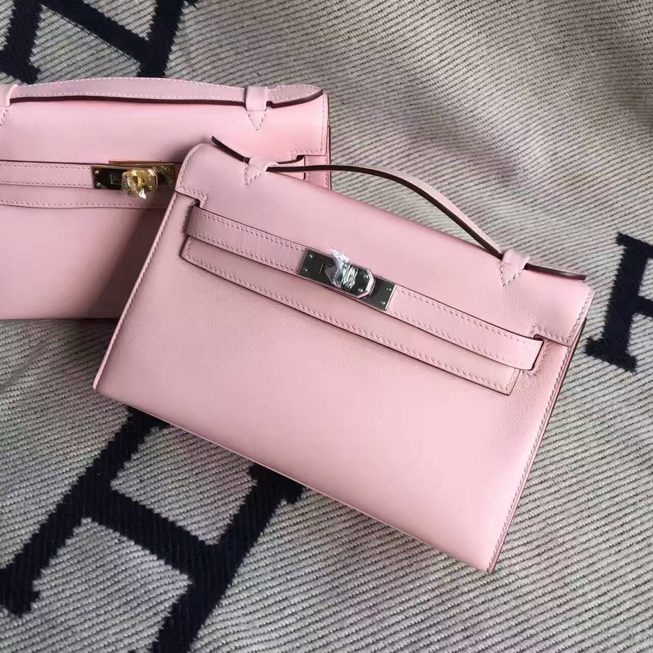 On Sale Hermes Swift Calfskin Leather Minikelly Clutch Bag in 3Q Rose Sakura