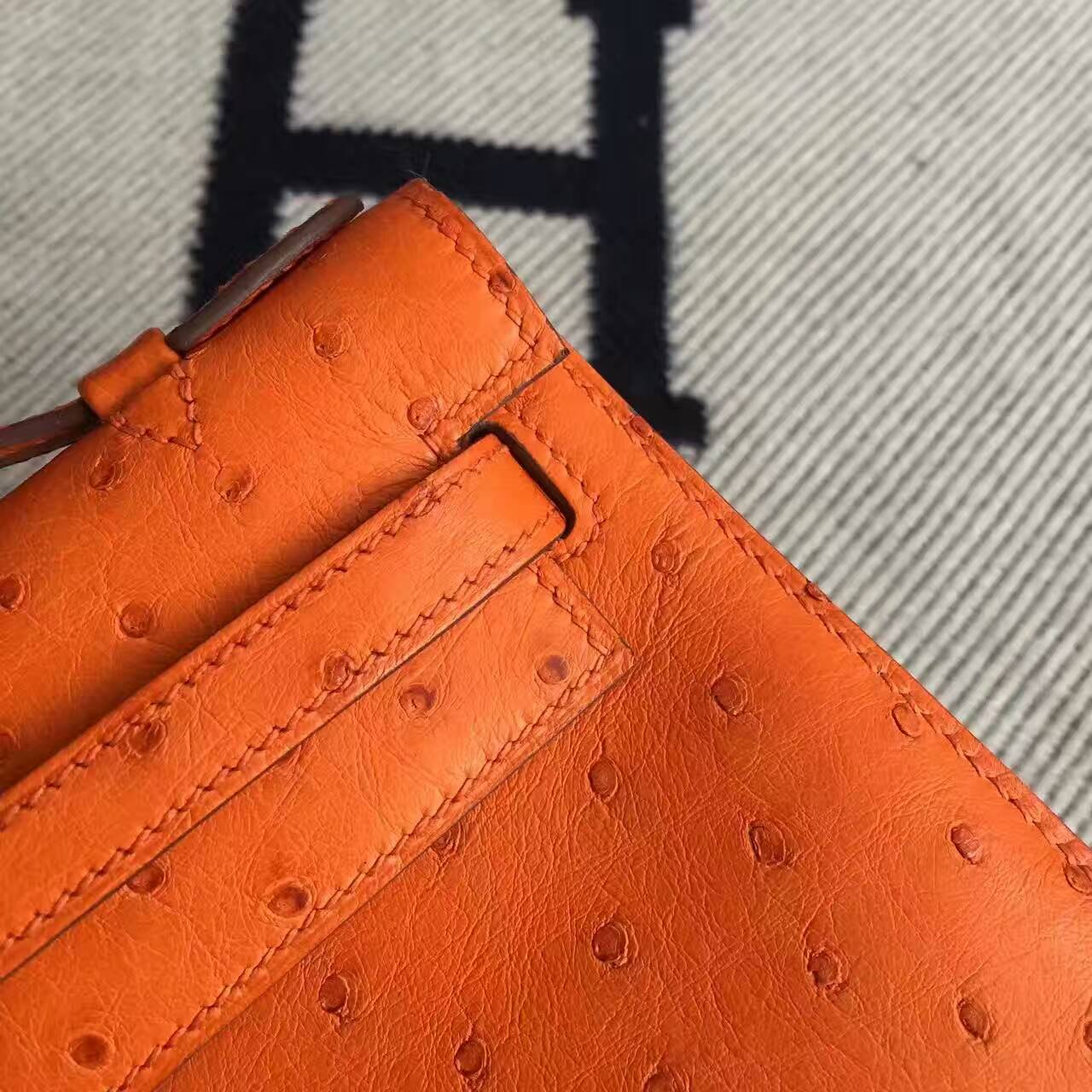 Sale Hermes 93 Orange Ostrich Leather Minikelly pochette Clutch Bag 22CM