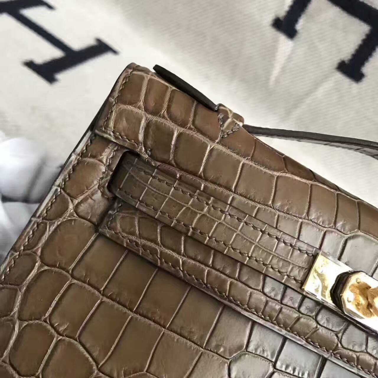 Hand Stitching Hermes Brown Crocodile Matt Leather Minikelly Pochette 22CM