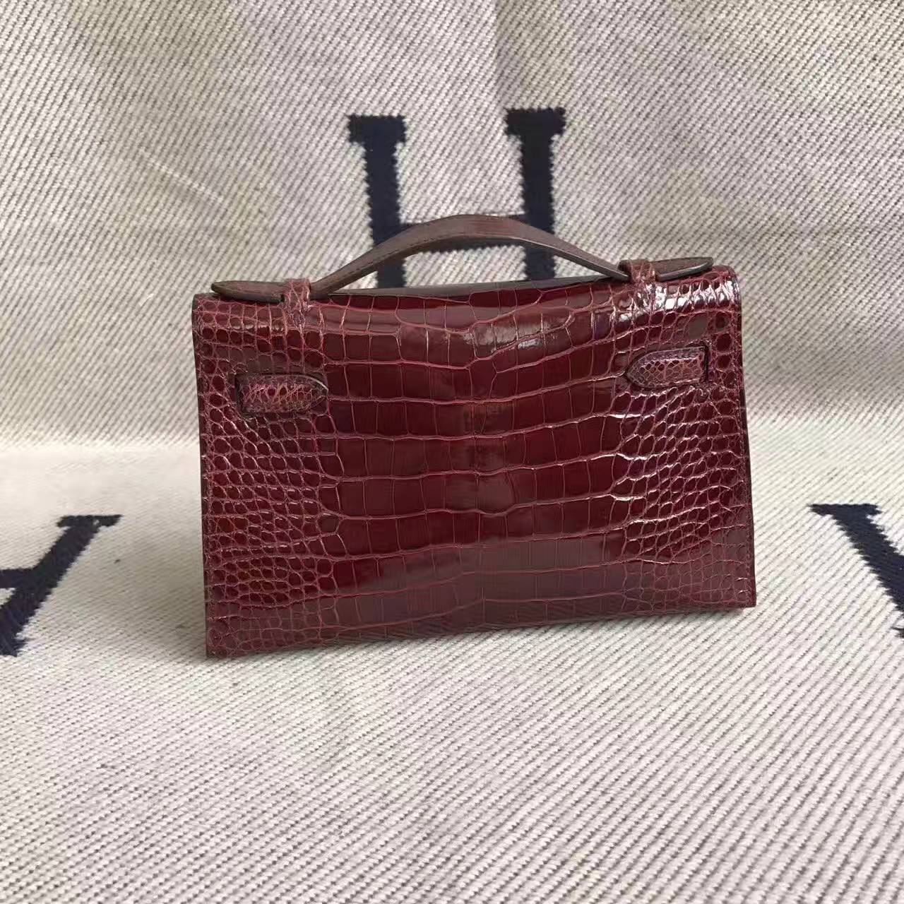 Sale Hermes CK57 Bordeaux Crocodile Shiny Leather Minikelly Bag 22cm