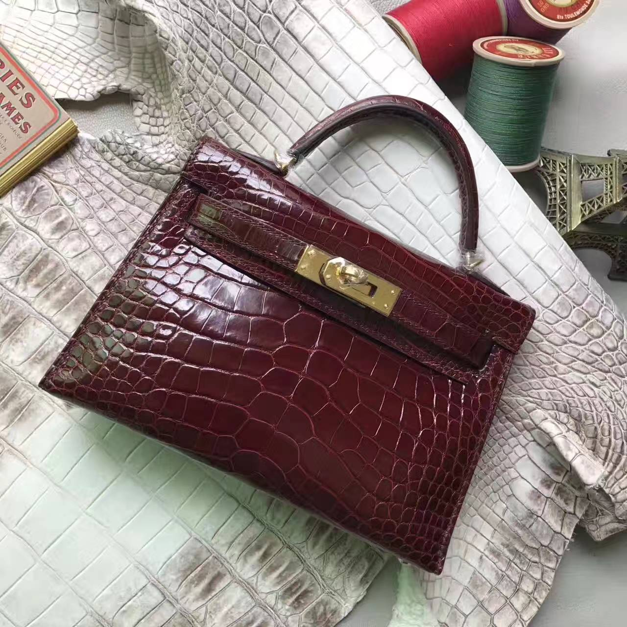 Hand Stitching Hermes Crocodile Shiny Minikelly-2 Clutch in CK57 Bordeaux