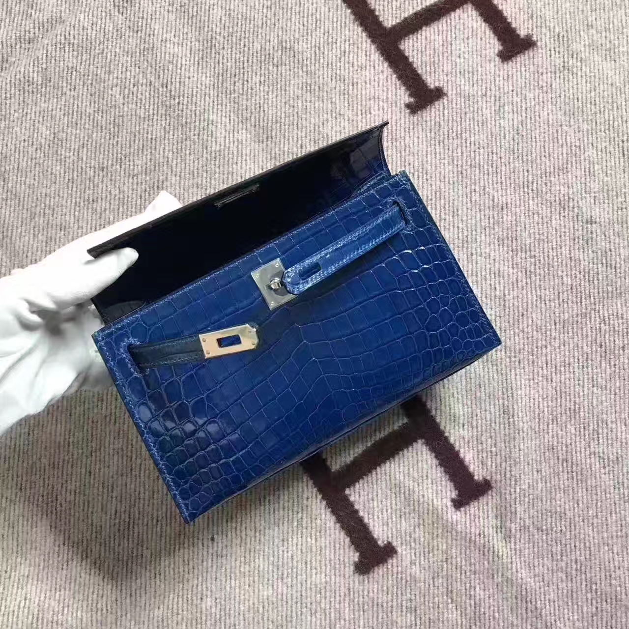 On Sale Hermes Z7 Dark Blue Crocodile Shiny Leather Minikelly Clutch 22CM