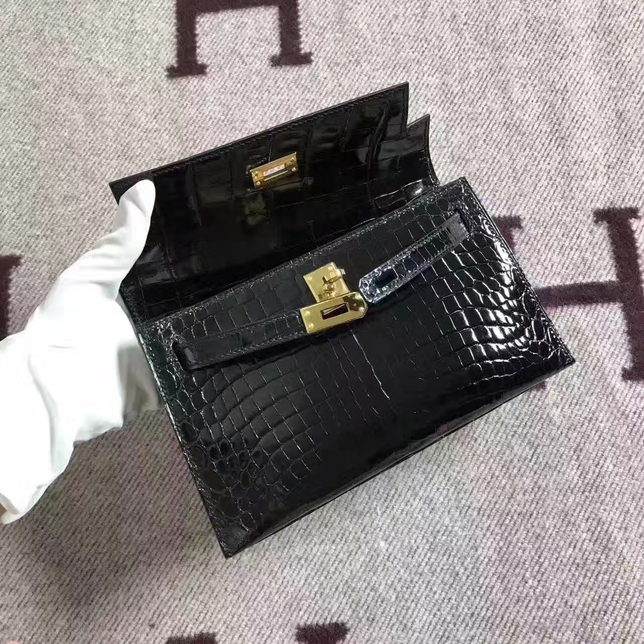 Hot Sale Hermes 89 Black Crocodile Shiny Leather Minikelly Handbag 22cm