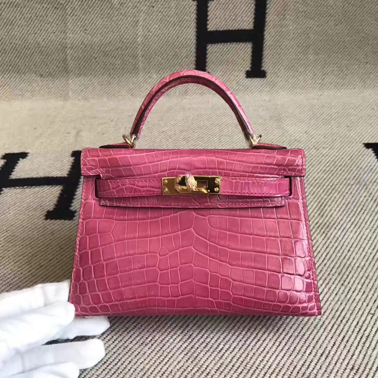 Cheap Hermes Minikelly-2 Clutch Bag in 5E Hot Pink Crocodile Shiny Leather