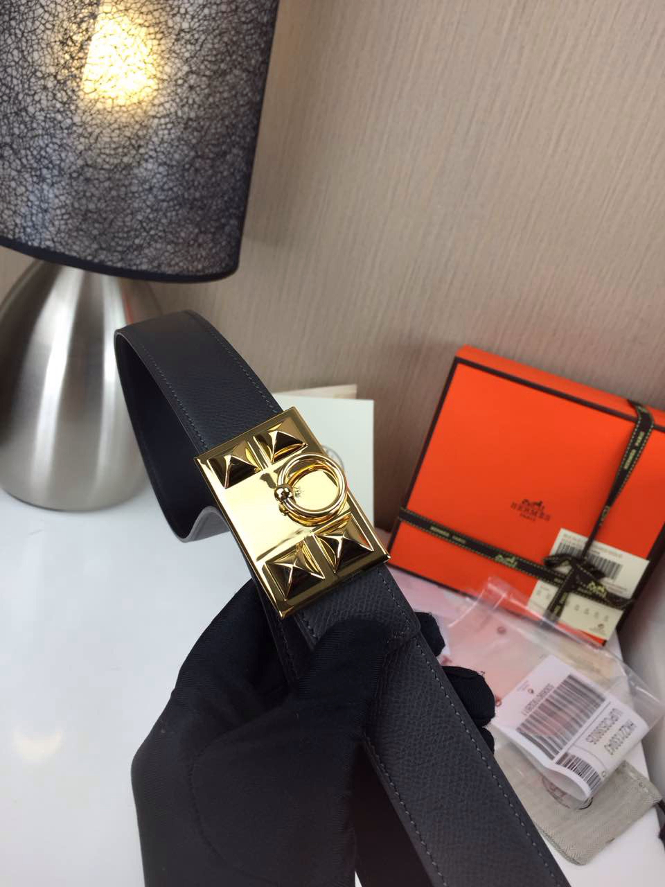 Hermes Women's Trunk buckle Palm prints with black and Plain with black 2.5CM