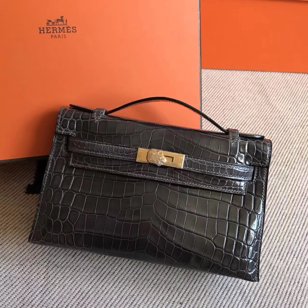 Wholesale Hermes CK88Graphite Grey Shiny Crocodile Minikelly Pochette 22CM