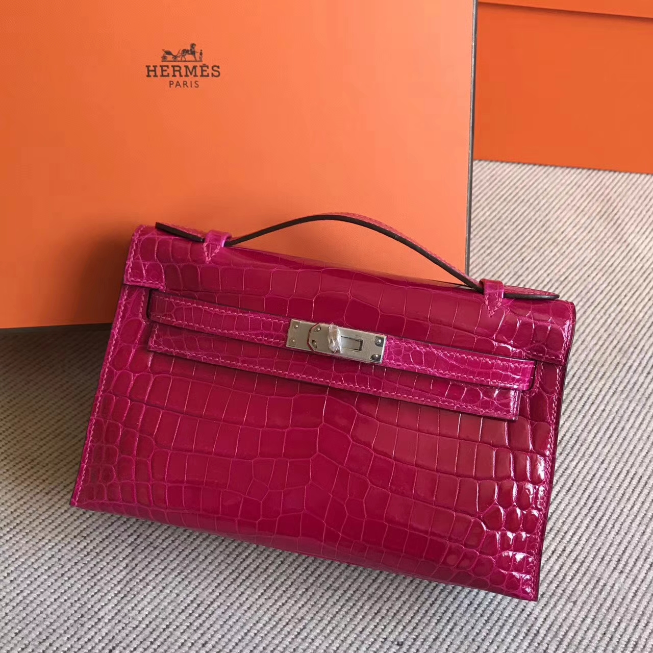 New Pretty Hermes Hot Pink Shiny Crocodile Leather Minikelly Bag22cm