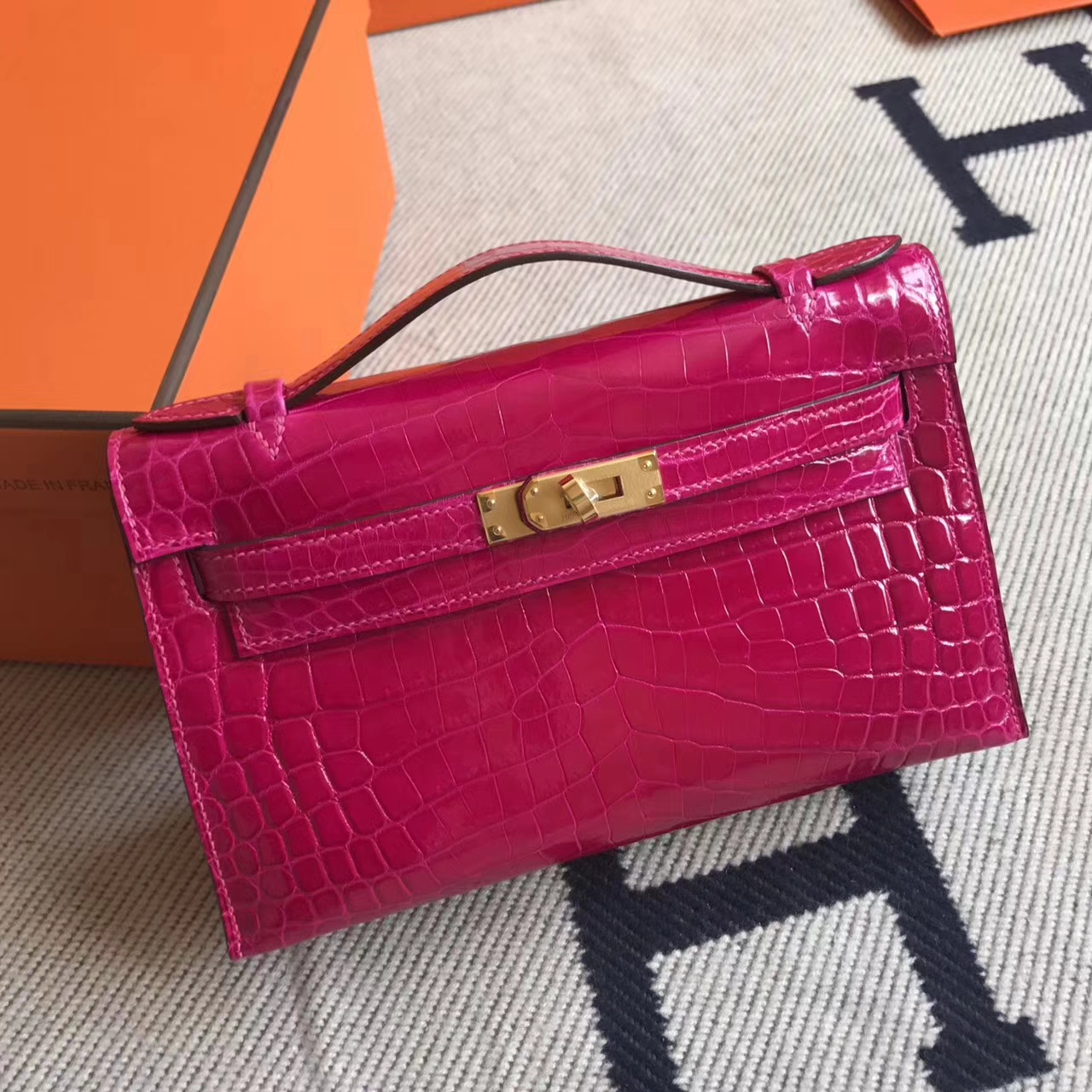 Elegant Hermes J5 Rose Scheherazade Crocodile Shiny Leather Minikelly22cm