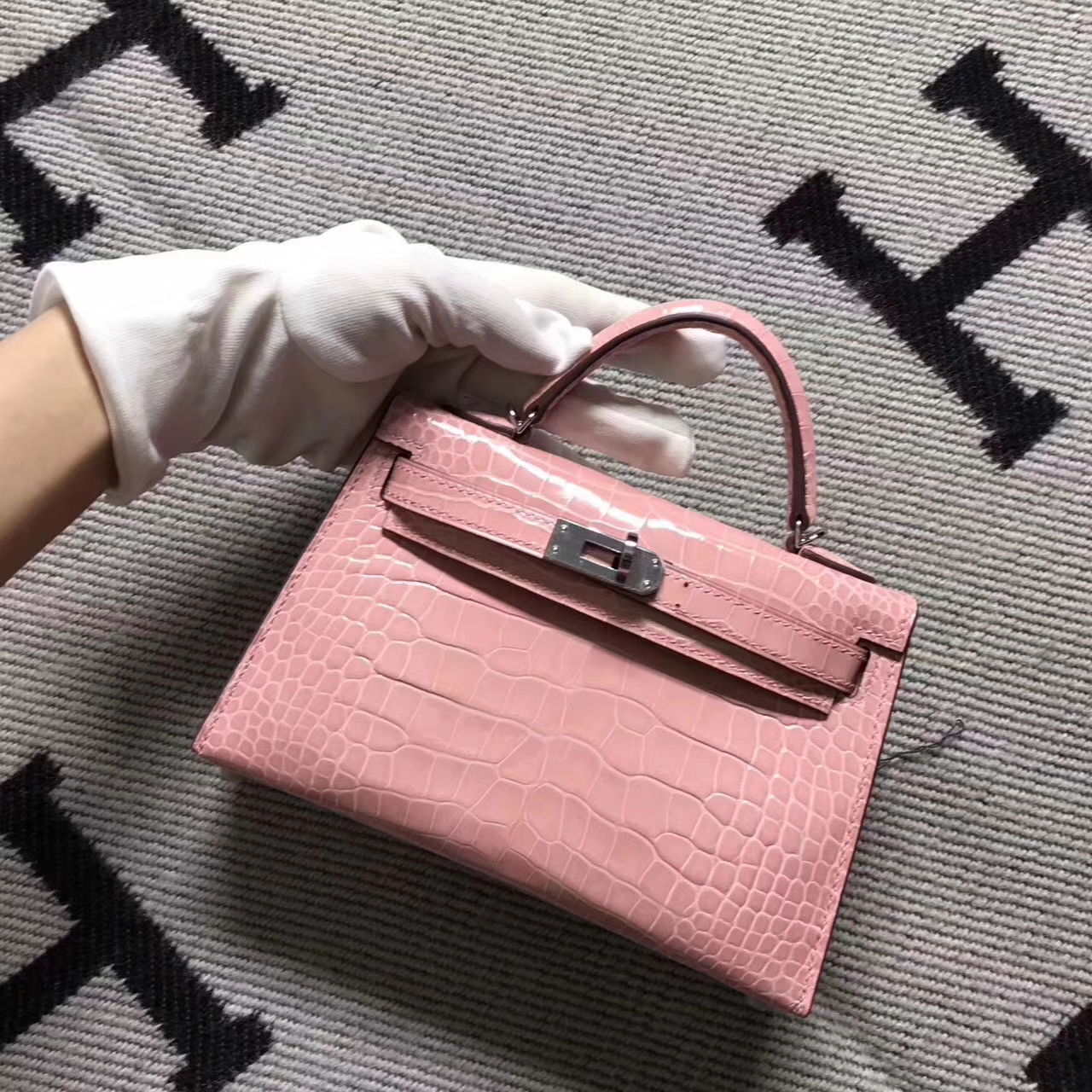 Beautiful Hermes Clutch Bag Pink Crocodile Shiny Leather Minikelly-2 Handbag