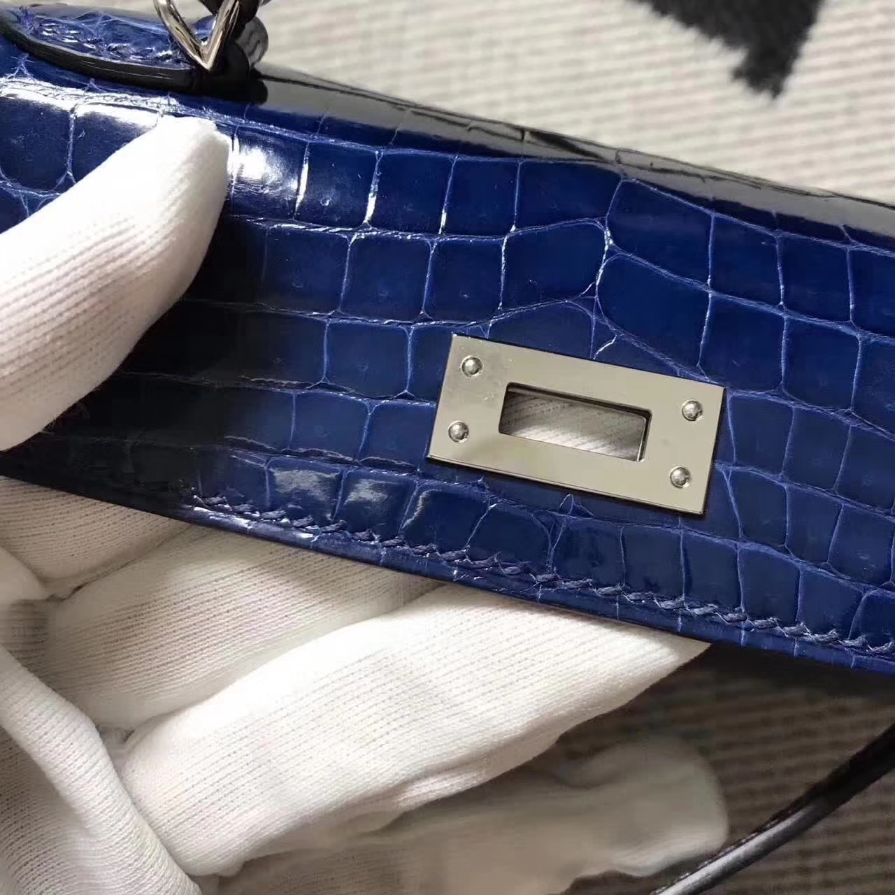 Sale Hermes Minikelly-2 Clutch Bag in Blue Saphir Crocodile Shiny Leather
