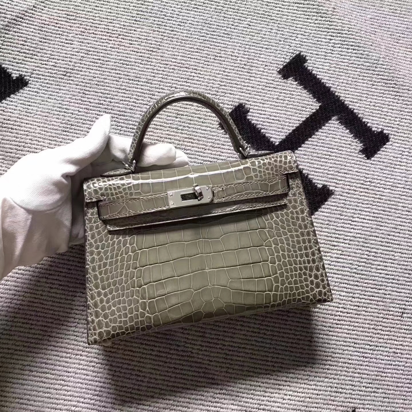 Discount Hermes Etoupe Grey Crocodile Shiny Minikelly-2 Clutch Bag