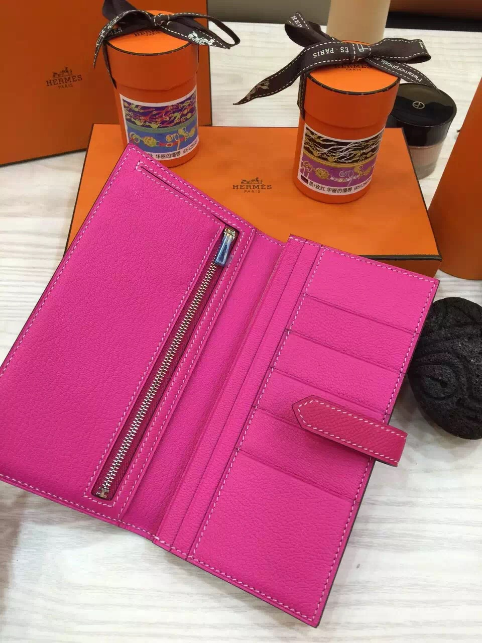 Hand Stitching Hermes Original Epsom Leather Bearn Wallet Purse in Rose Tyrien