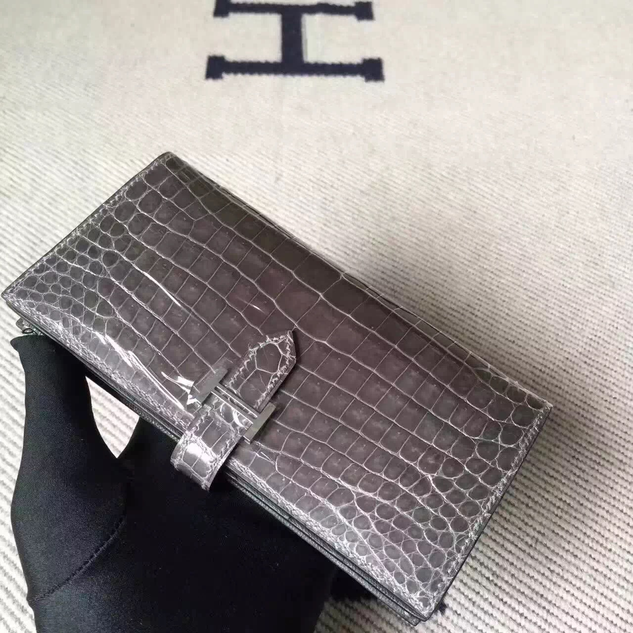 Hand Stitching Hermes C18 Etoupe Grey Crocodile Leather Bearn Wallet