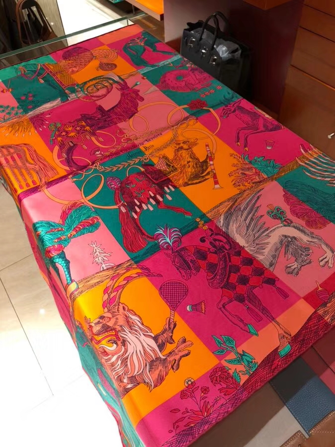 New Hermes《Amazing Animals》Colorful 100%Silk Scarf 90*90cm