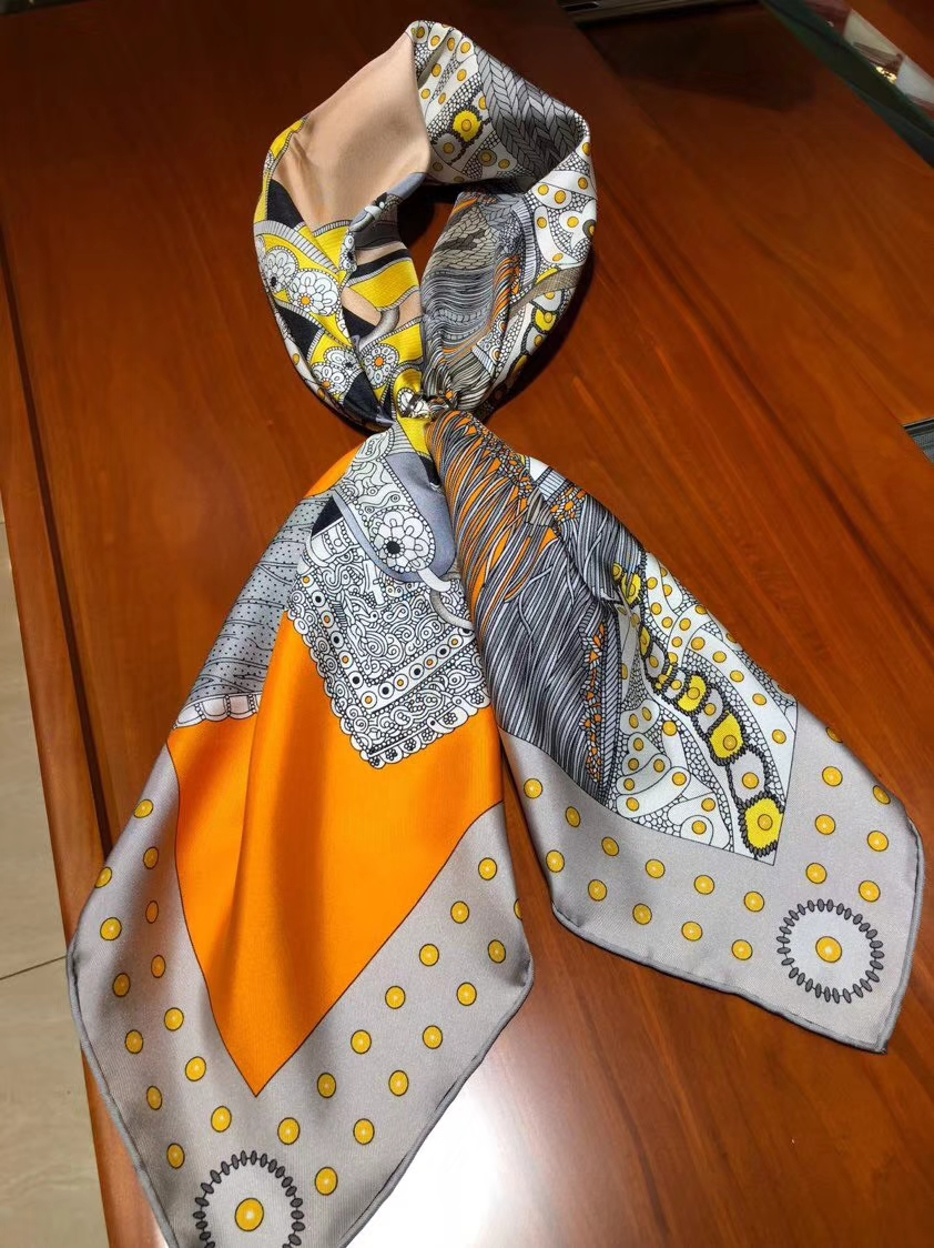 Noble Hermes 2018 New Autumn 《Elegant Saddle》100%Silk Scarf 90*90cm