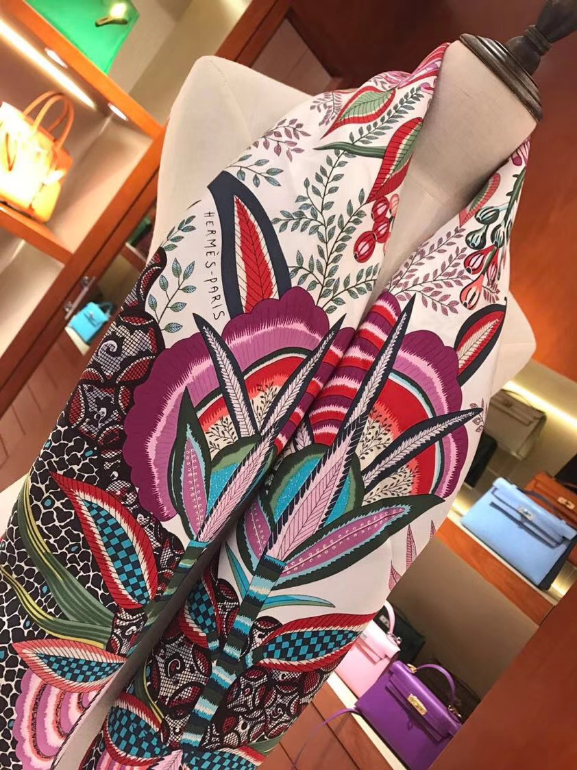 Pretty Hermes《Flowers of South Africa》Classic Pink Real Silk Women's Scarf