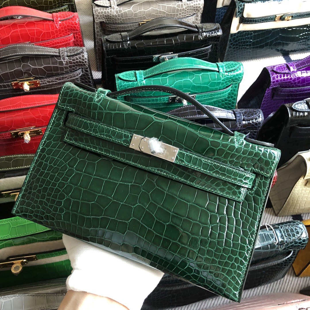 Stock Hermes Shiny Crocodile Minikelly22CM Clutch Bag in CK67 Vert Fonce Silver Hardware