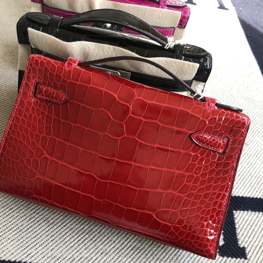 Stock Hermes CK95Braise Shiny Crocodile Minikelly Evening Bag Gold Hardware