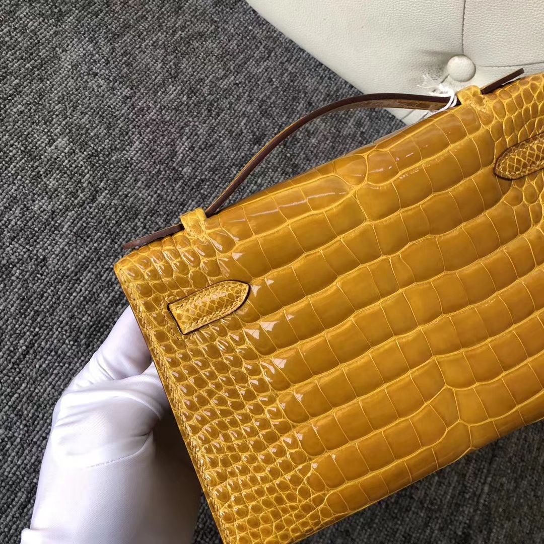 Hermes AlligatorCrocodile Minikelly22CM Evening Bag in  9D Ambre Yellow Gold Hardware