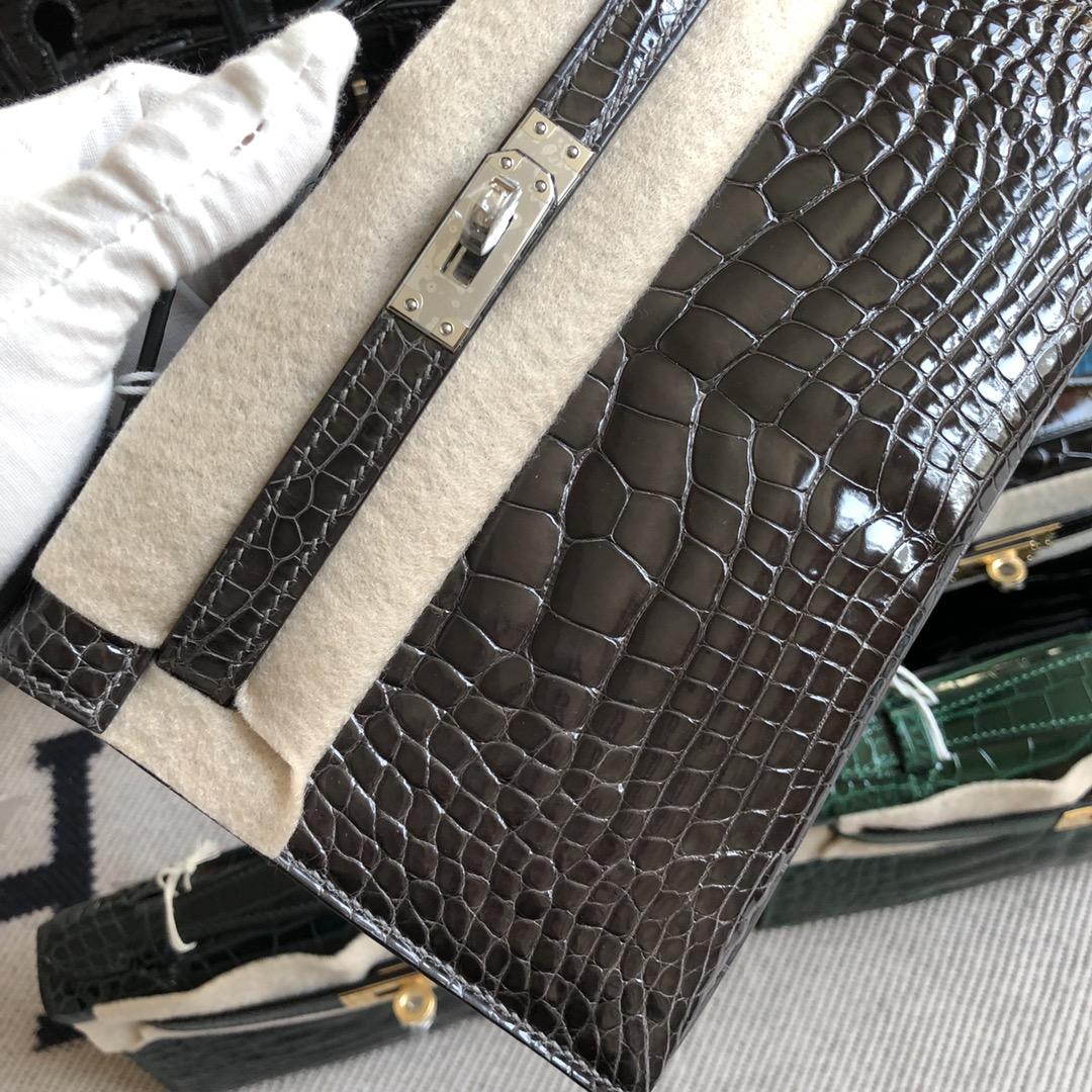 Stock Hermes Shiny Crocodile CK88 Gris Graphite Minikelly Clutch Bag Silver Hardware