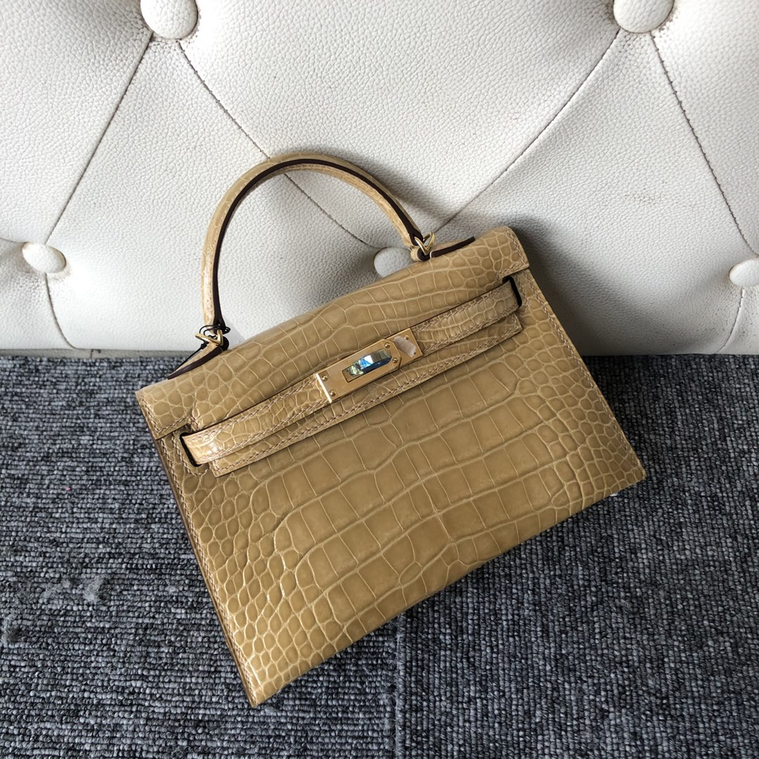 New Hermes Apricot Shiny Crocodile Minikelly-2 Evening Bag Gold Hardware