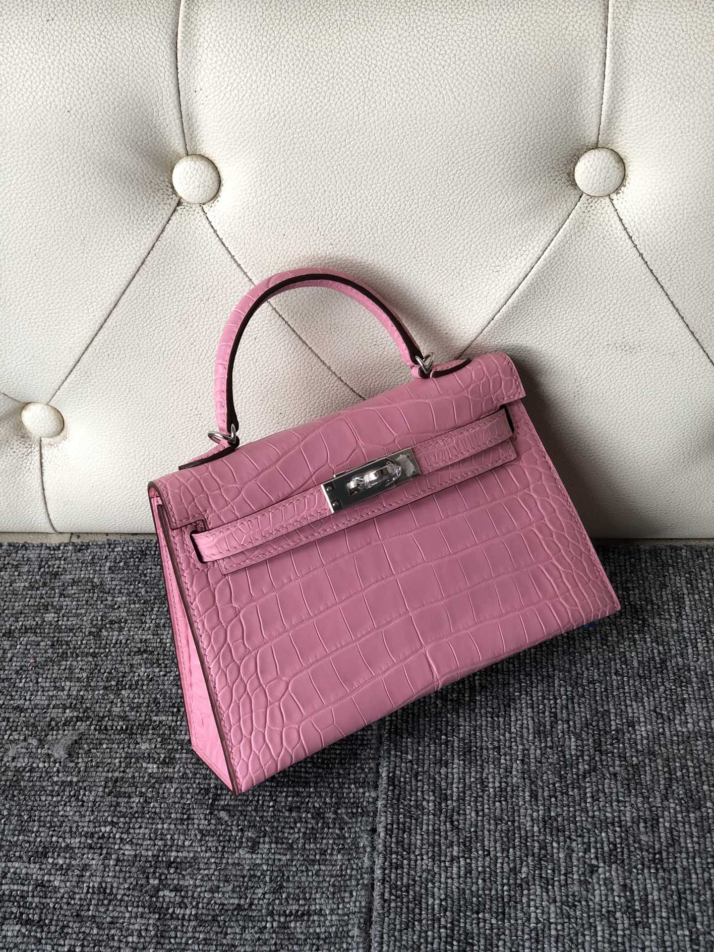 Pretty Hermes 5P Rose Sakura Matt Crocodile Minikelly-2 Bag Silver Hardware