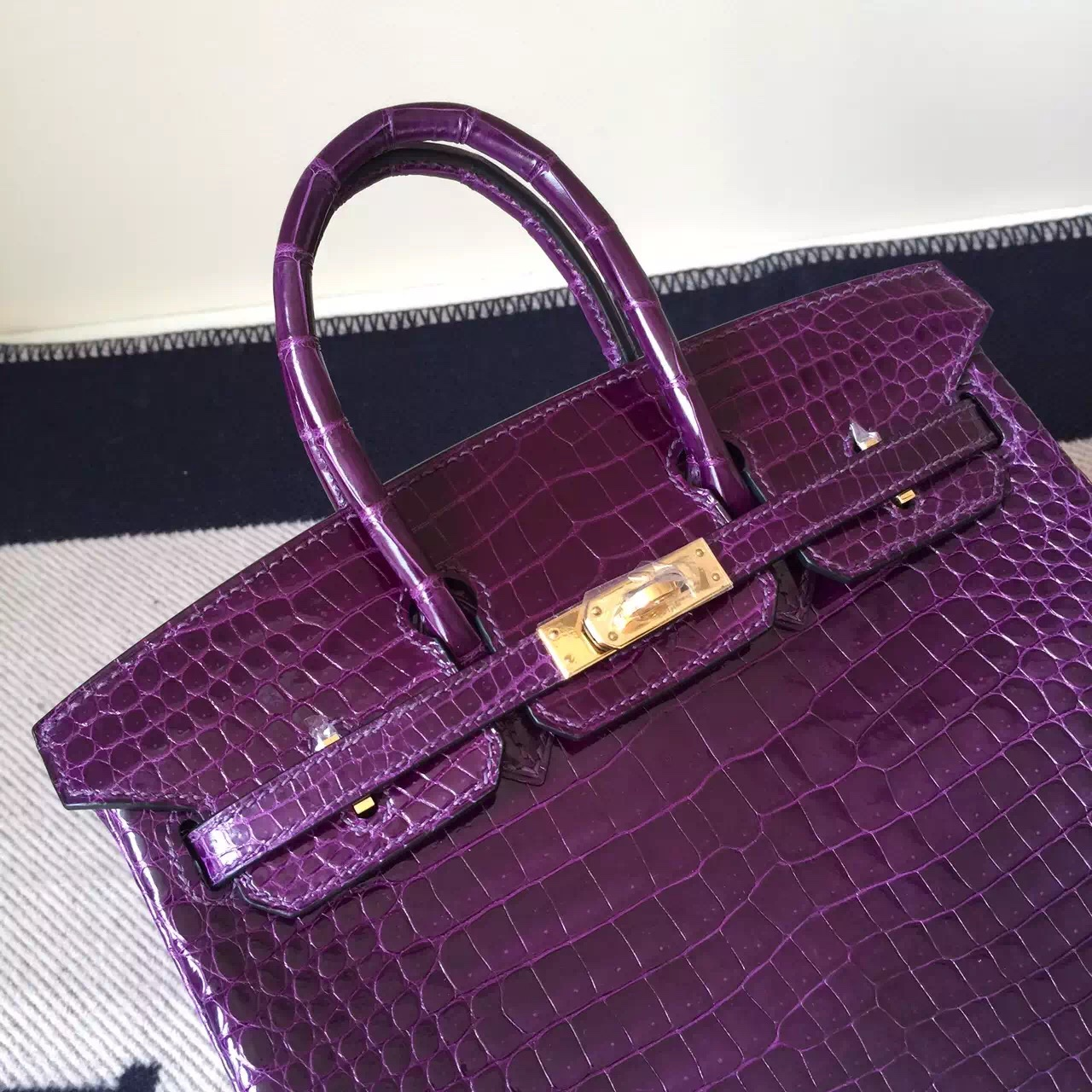 Luxury Hermes Crocodile Leather Birkin Bag 25cm in 9G Violet Gold Hardware