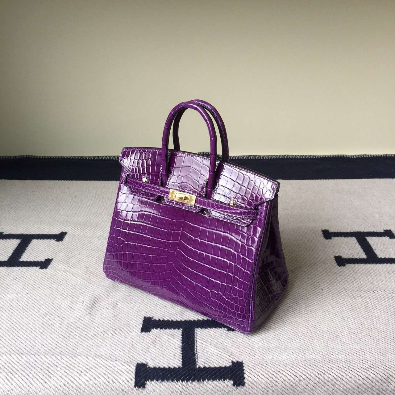 Hand Stitching Hermes Birkin Bag 25cm in Violet Purple Crocodile Leather