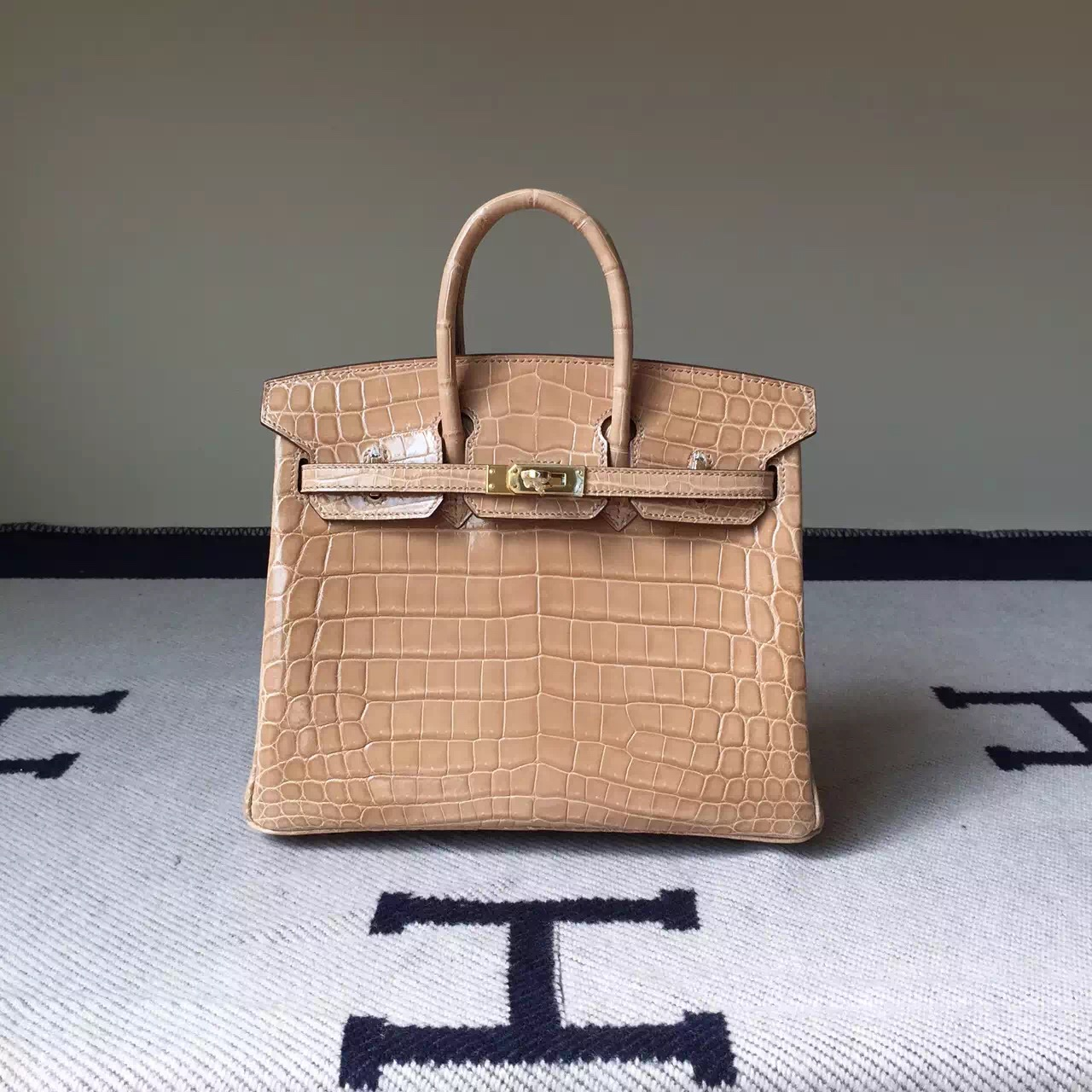 New Arrival Hermes Apricot Crocodile Shiny Leather Birkin Bag 25cm