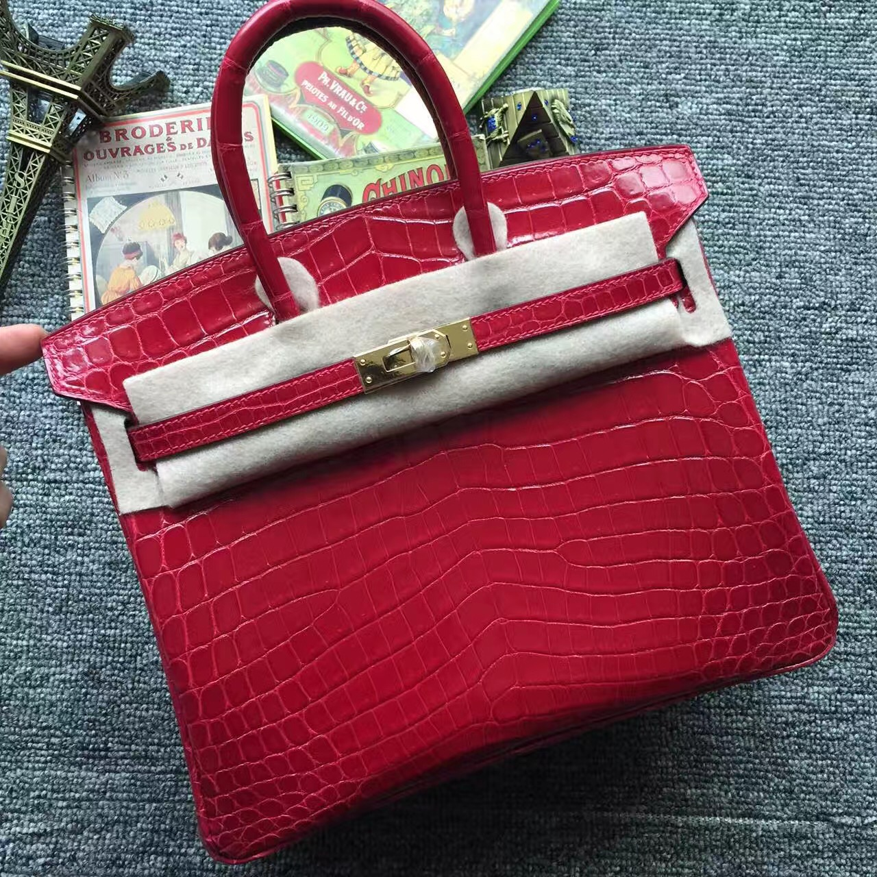 Wholesale Hermes Q5 Rouge Casaque Crocodile Shiny Leather Birkin Bag 25cm