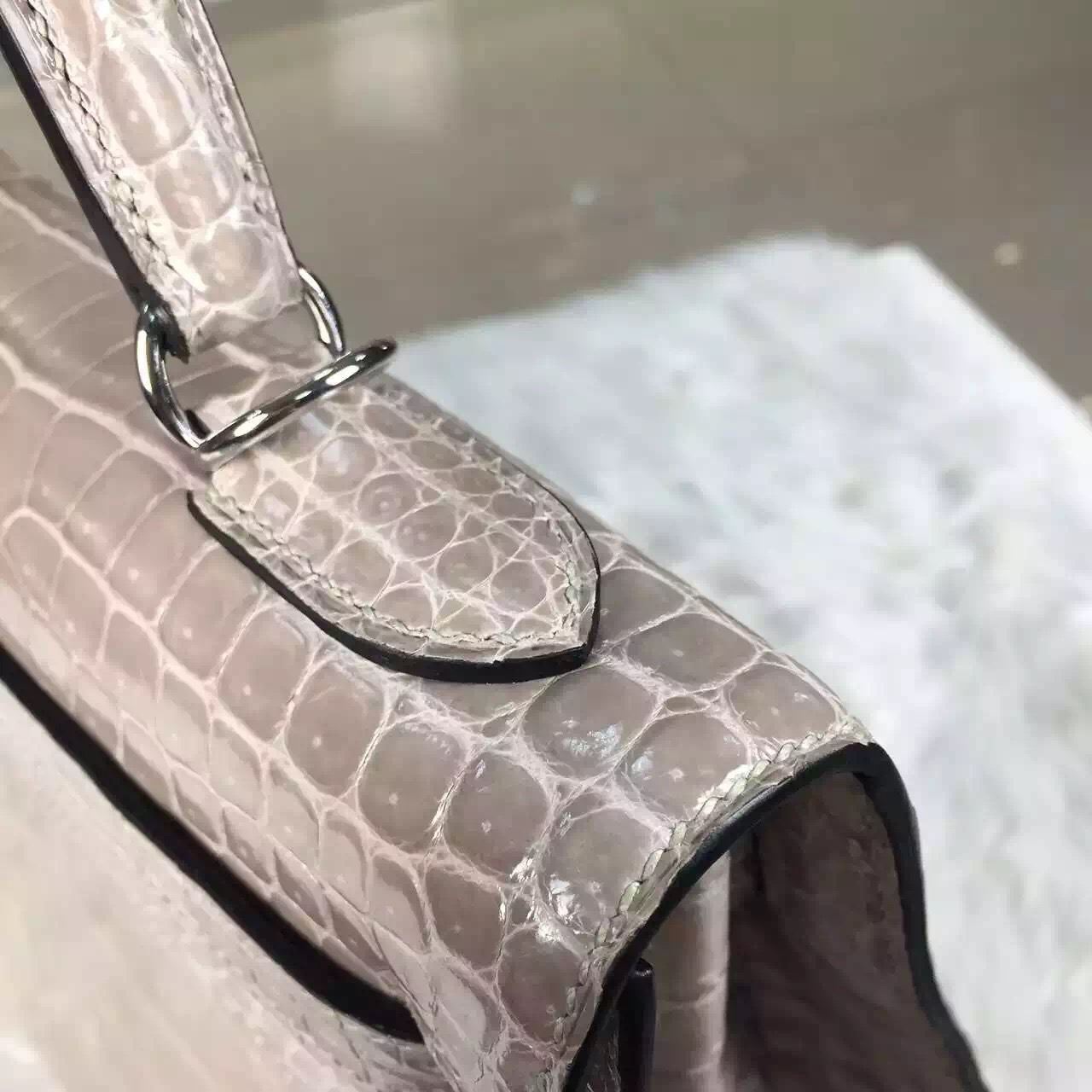 High Quality Hermes Kelly Bag32CM Light Grey HCP Shiny Crocodile Leather Silver Hardware