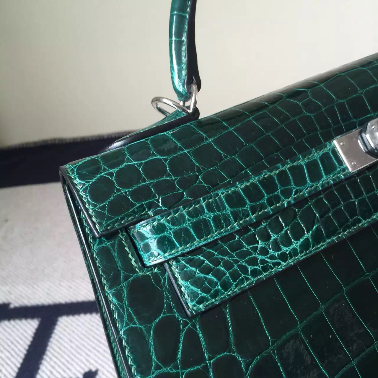 Hand Stitching Hermes Crocodile Leather Kelly Bag32cm in CK67 Vert Fonce