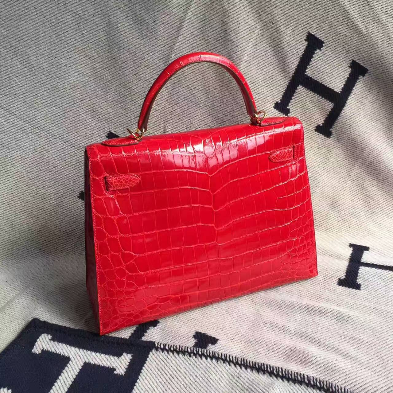 Hand Stitching Hermes Crocodile Shiny Leather Kelly Bag 32CM in CK95 Braise